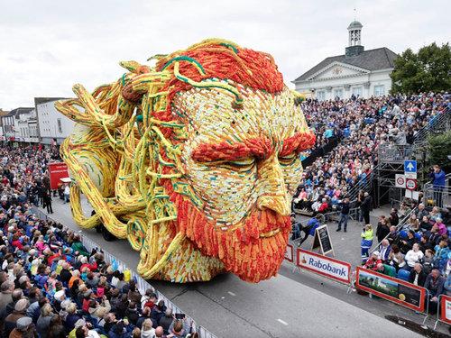 オランダのフラワーパレードとゴッホ01