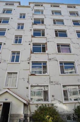 新築なのに倒壊寸前の中国の建物01