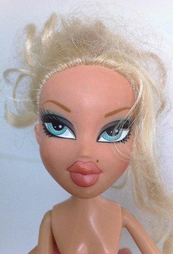 もし人形から化粧を取ったら01