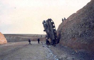 事故を起こした戦車02