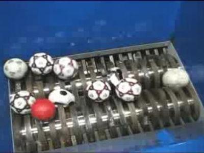 ボールをシュレッダー