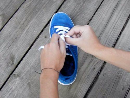 靴ひもの高速結び08