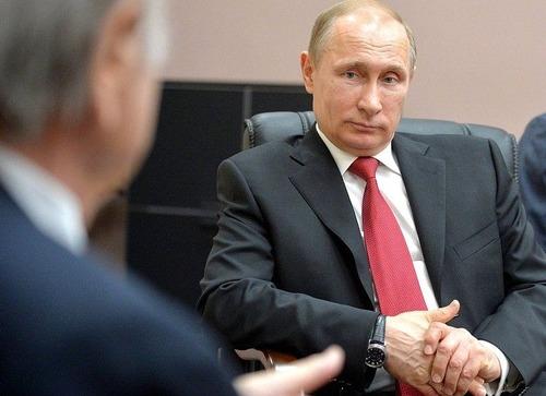 プーチンでさえ犬の正しい抱き方は知っている00