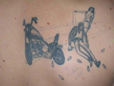 子供の落書きのような大失敗のタトゥー11