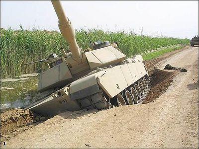 事故を起こした戦車09