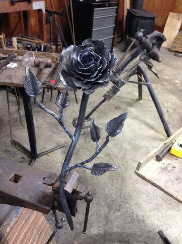 鉄塊を使って彼女にロマンチックなプレゼント09