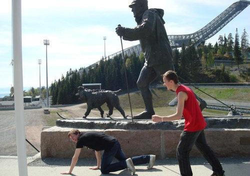 銅像の間違った楽しみ方12