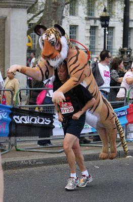 ロンドンマラソン・コスプレ01