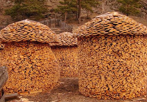 木材積みアート11