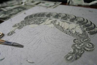お金が掛かるアート01