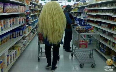 長髪で毛が多い