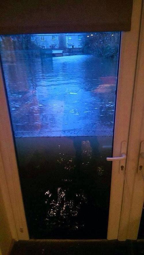 水害に耐えるドア01