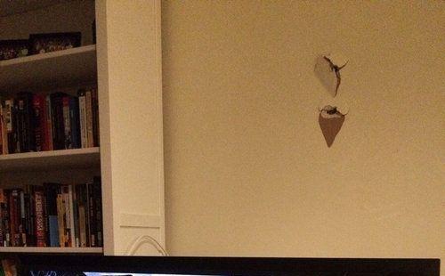 壁掛けテレビ01