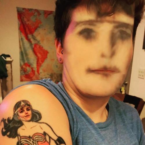 タトゥーと顔交換アプリを使うとホラーになる07
