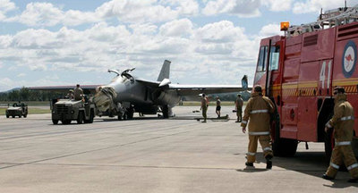 ペリカンと激突したF-111戦闘機06