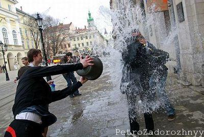 ウクライナの水掛けっこ09