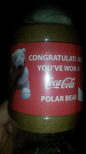 自販機でコーラを買ったら白クマ02