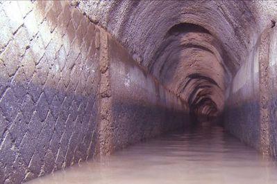 ローマ帝国時代の地下水路01