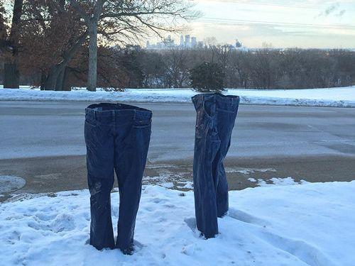 アメリカでジーンズを凍らせる遊び03