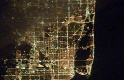宇宙ステーションから見た世界の大都市の夜景21