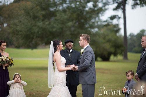 結婚式でフラワーガールがクレイジーになるとき06