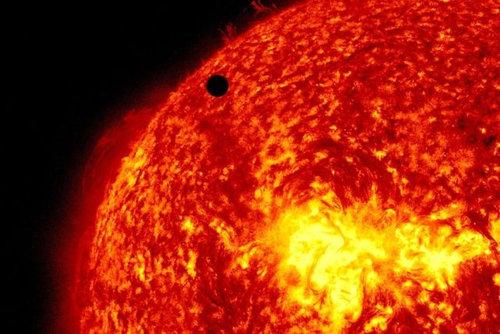 金星の太陽通過観測のお知らせ01