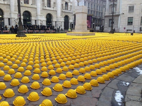 イタリアの労働者の抗議01