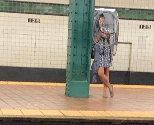 ニューヨーク地下鉄のマスク10