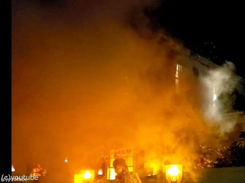 ハロウィンで火災の演出がリアルすぎて通報される02