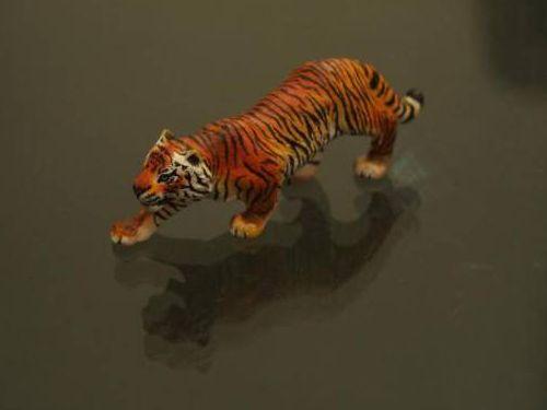 虎のフィギュア09