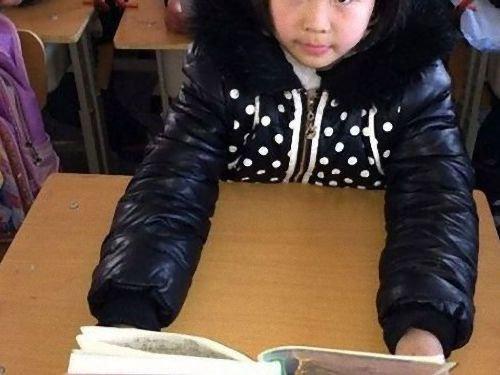 中国の児童を姿勢よくするアイデア00
