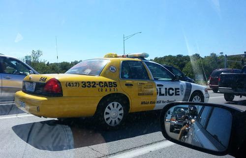 これはタクシー?01