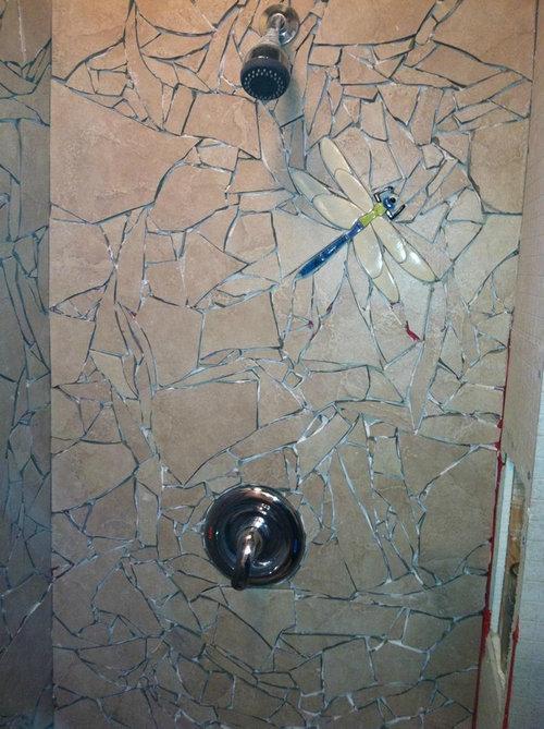 シャワー室の平凡なタイルをクールなデザインに06