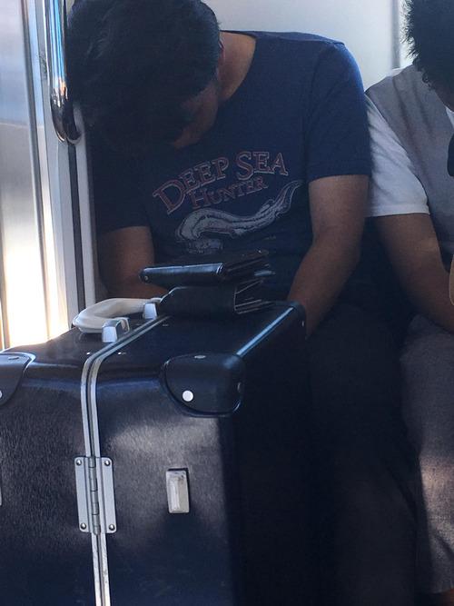 「日本の電車でこれを目撃して衝撃を受けた…」01