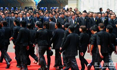 台湾マフィアの葬儀04