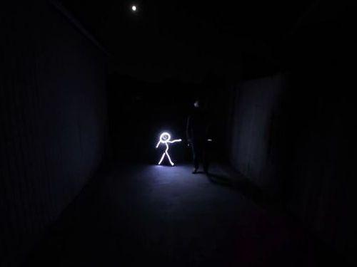 光るコスチューム01