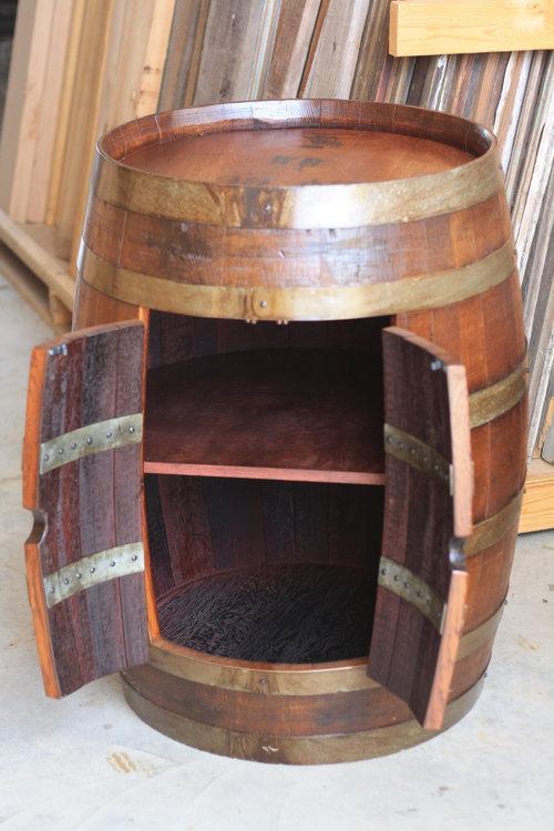 ワイン樽から作った家具12