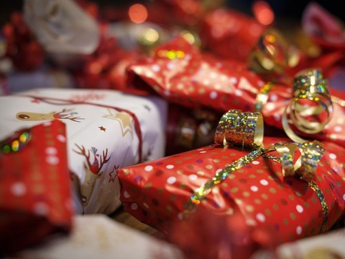 10代の子供のクリスマスプレゼントの隠し場所00