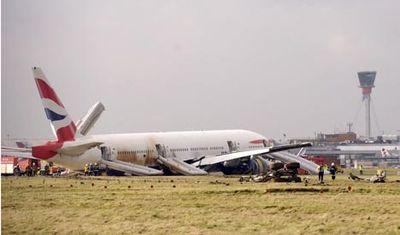 ヒースロー空港で緊急着陸05