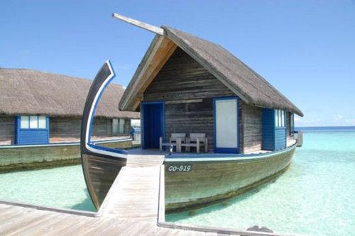 モルディブの小舟のようなホテル05