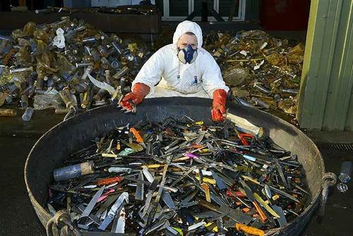 10万本のナイフで天使像04