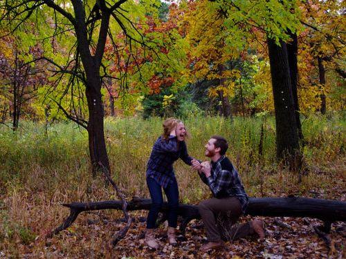 森の中で自動撮影にしてプロポーズ04