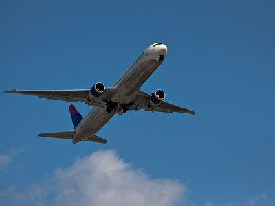 デルタ航空767