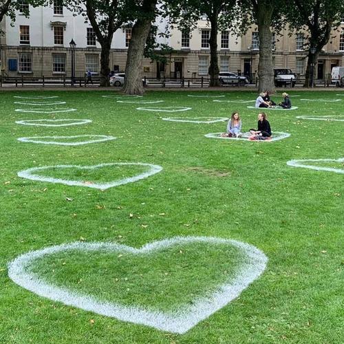 公園に描かれたハート01
