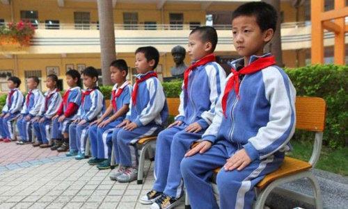 中国の児童を姿勢よくするアイデア05
