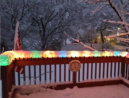 クリスマスライトの上に雪が積もったら02