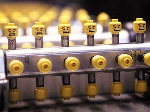 危機迫るレゴの生産ライン02