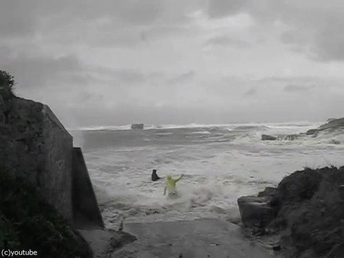 「嵐のときにビーチに近づいてはいけない理由」08