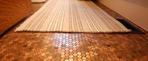 1セント硬貨を床に敷いた家07
