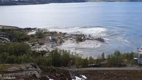 ノルウェーで大規模な地すべり03